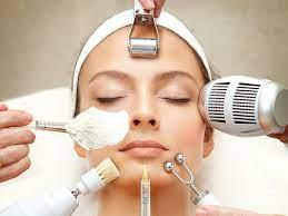 Je n'ai jamais pensé qu'après avoir essayé cela, je n'irais plus jamais au salon de beauté pour un soin du visage